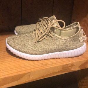 Shoes - Boutique slipon tennis shoes